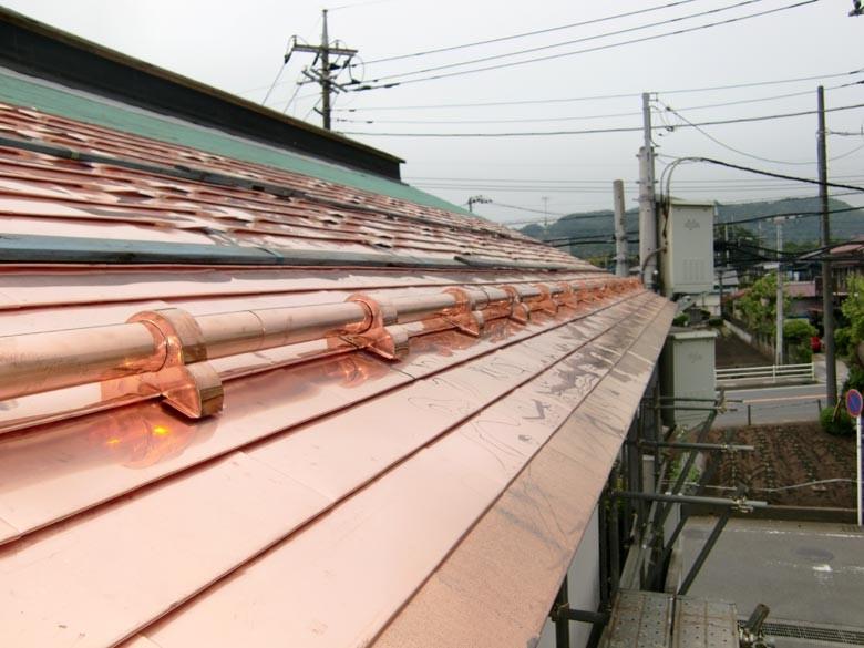 屋根も雪止めも銅板仕様です