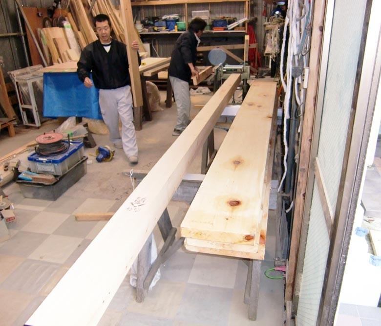 素材は木曽檜の平角で決まりました