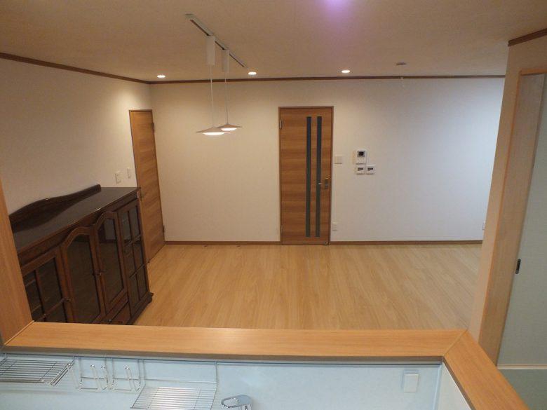 開放的なキッチン リビングがよく見えます
