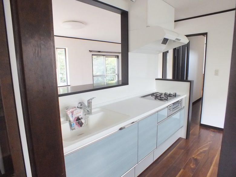 素敵な色のキッチンです