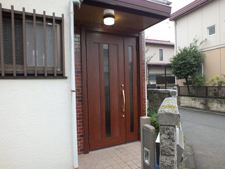玄関ドア取替工事施工後