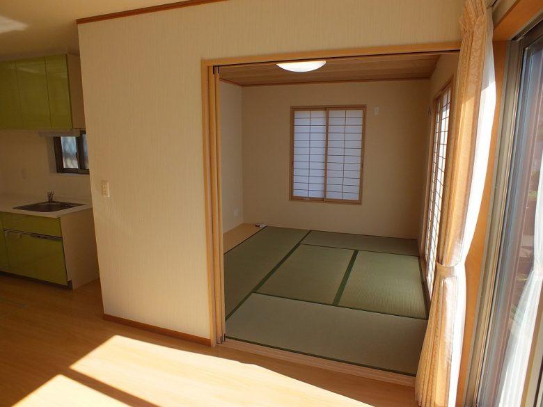 リビング続きの和室が素敵です
