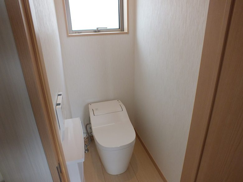 タンクレストイレでスッキリとしています