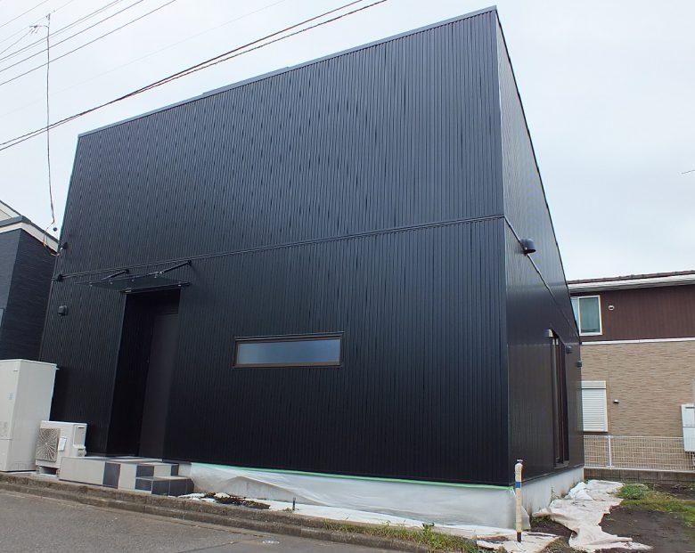 男前ブラックハウスの完成です
